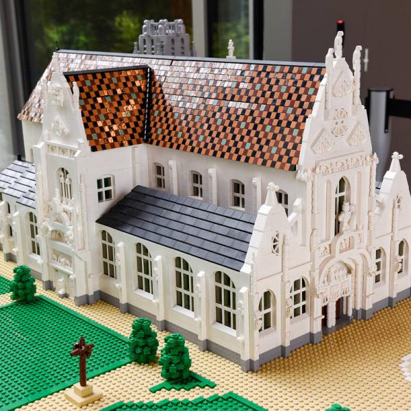 exposition ma r gion en briques lego lyon france. Black Bedroom Furniture Sets. Home Design Ideas