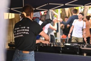 DJ set avec Radio Nova © Les Puces du Canal