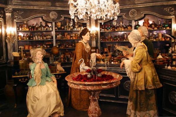 La parfumerie - décor du Film Le parfum au Musée Cinéma et Miniature de Lyon