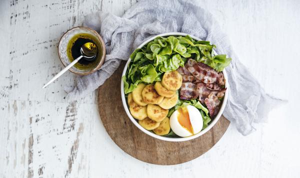Salade lyonnaise - Stéphanie Iguna ©Stephatable