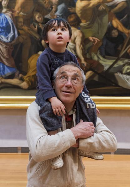 Visite en famille dans la salle des peintures françaises du 17e siècle © Musée des Beaux-arts de Lyon / Gilles Alonso