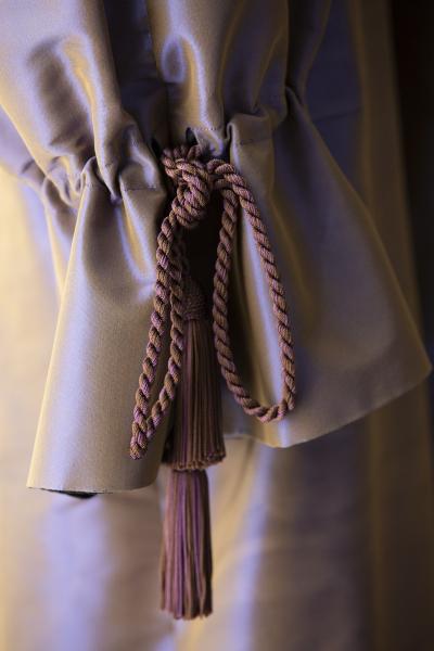 Yves Saint Laurent (1936-2008) - Ensemble de soir (détail). Collection haute couture automne-hiver 2000 © Yves Saint Laurent © Sophie Carre (2019)