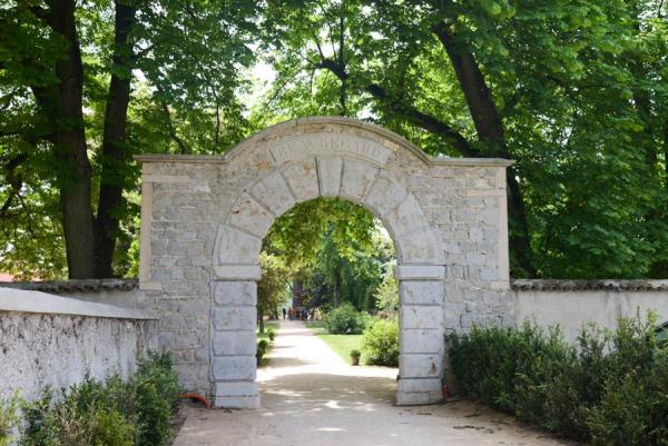 L'entrée du parc de Beauregard à Saint-Genis-Laval