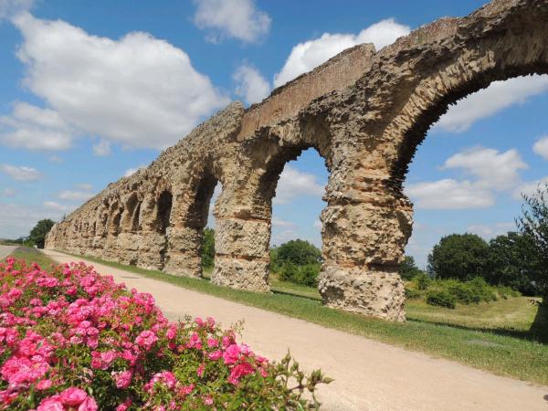 Aqueduc du Gier © OT Vallee du Garon C. Cordat