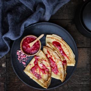 Crèpes à la crème de praline © Stéphanie Iguna / Food Factory