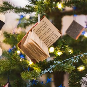 Arbre de Noël culturel © Vladvictoria / Pixabay