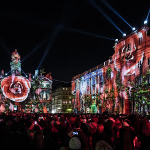 Place des Terreaux pendant la Fête des Lumières ©www.b-rob.com