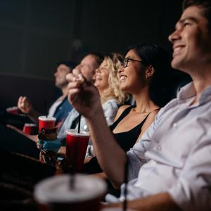 Amis au cinéma © Jacob Lund/Shutterstock.com