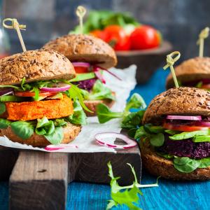 Burgers veggie © Sarsmis/Shutterstock.com