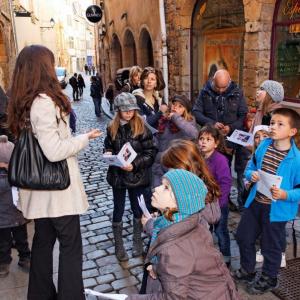Visite en famille dans le Vieux-Lyon © Samy Boukari