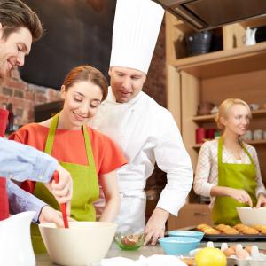 Cours de cuisine © Syda Productions/Shutterstock.com