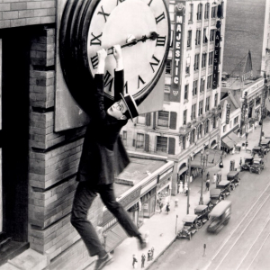 Harold Lloyd - Monte là-dessus de Fred C. Newmeyer et Sam Taylor (1923, 1h10)