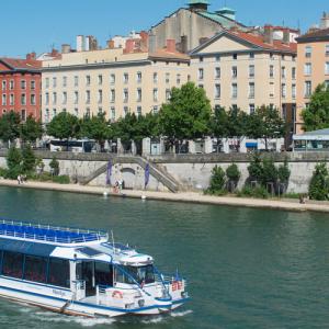 Bateau Navilys quai des Célestins - Les Bateaux Lyonnais