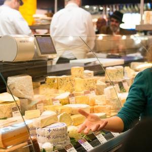 Visite gourmande des Halles de Lyon par Cybèle  © Charles Pietri