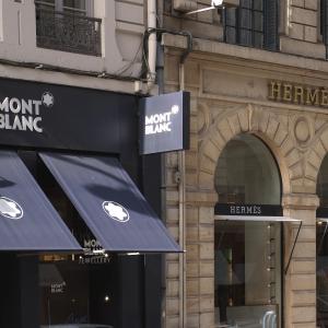 Boutiques Hermès et Mont Blanc © Laurent Berthier