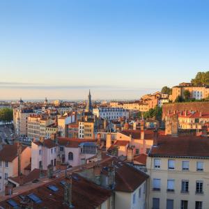 La Colline de Fourvière et le Vieux-Lyon © Sander van der Werf / 692765320 Shutterstock