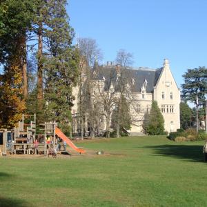 Chateau et parc du Vivier à Ecully