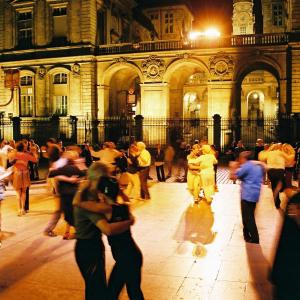 Bal de tango place des Célestins © Ville de Lyon